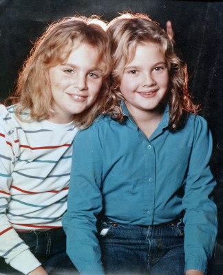 Drew Barrymore and Jennifer Ward on the set of 'Firestarter', 1984, filmed in Wilmington, North Carolina.